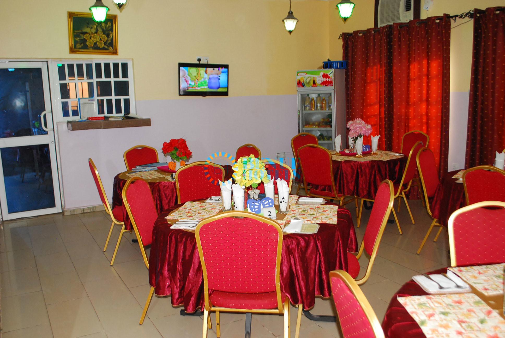 apa gate hotel restaurant